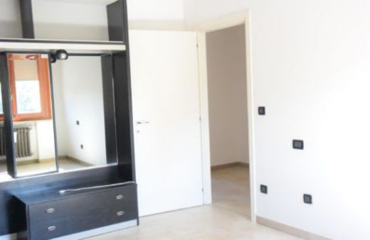 Appartamento con 2 camere arredato. Rif: L985