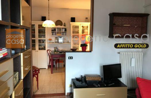 Appartamento arredato e climatizzato con 1 camera.Rif:L1004