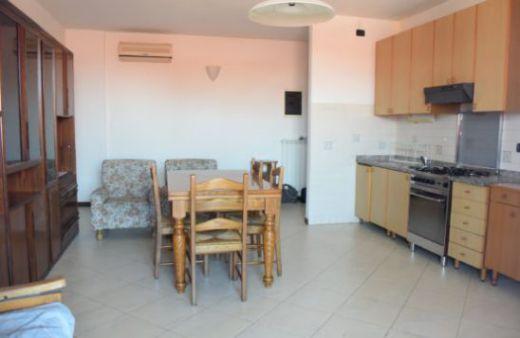 Appartamento con 1 camera arredato.Rif:L1023