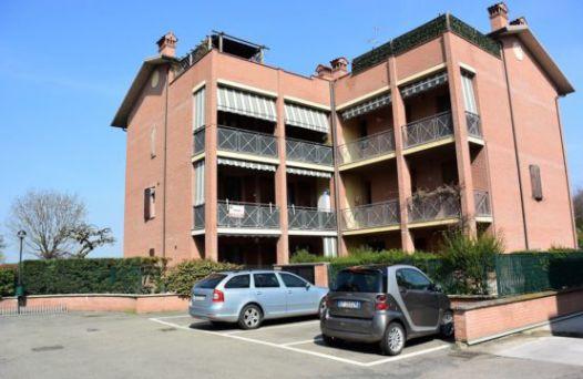 A444 &#8211&#x3B;  Ampio Soggiorno con Cucina Abitabile in Zona Centrale