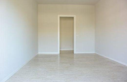 Appartamento con 2 camere matrimoniali non arredato. Rif:L462