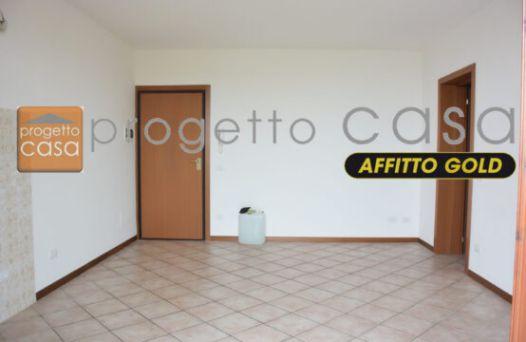 Appartamento con 2 camere e garage. Rif:L943
