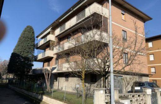 Rif. A520  Appartamento con 3 camere