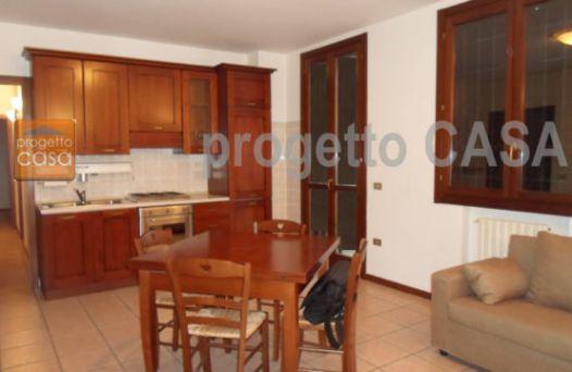 Appartamento con 2 camere. Rif:L708
