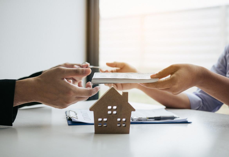 servizio a 360 gradi durante la consulenza per la compravendita di immobili in provincia di Modena